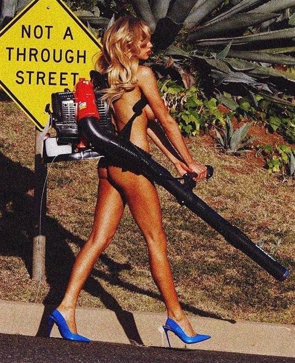 Charlotte McKinney Desnuda modelo xxx -modelo-cogiendo-celebridad-follando-sexo-oral-fotos-video-tetas-upskin (2)