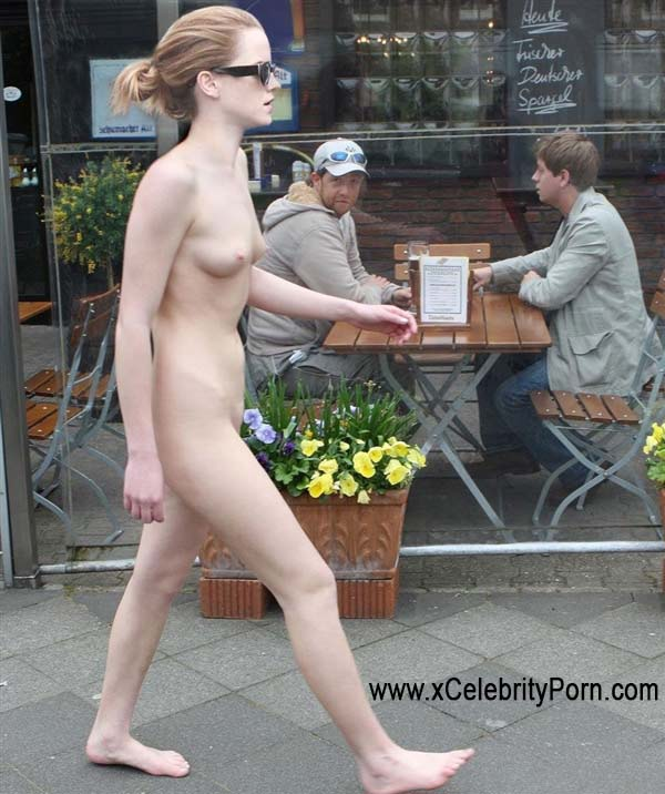 se la folla en la calle x-art videos