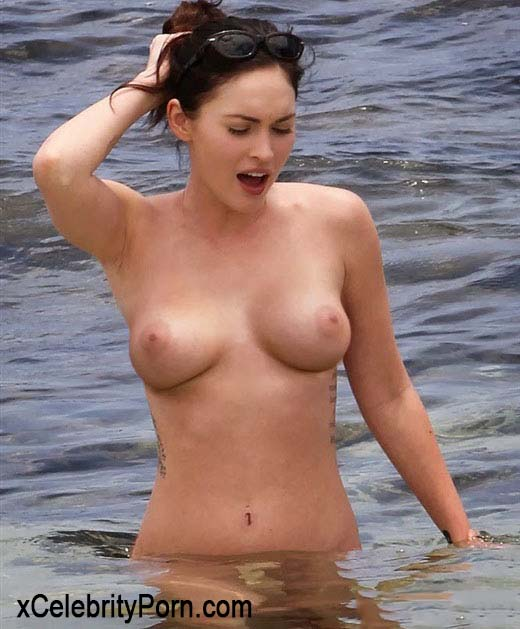 Megan Fox xxx -desnuda-fotos-filtradas-prohibidas-follando-cogiendo-porno-sexual-tetas-vaginamegan_fox_nude_pose (2)