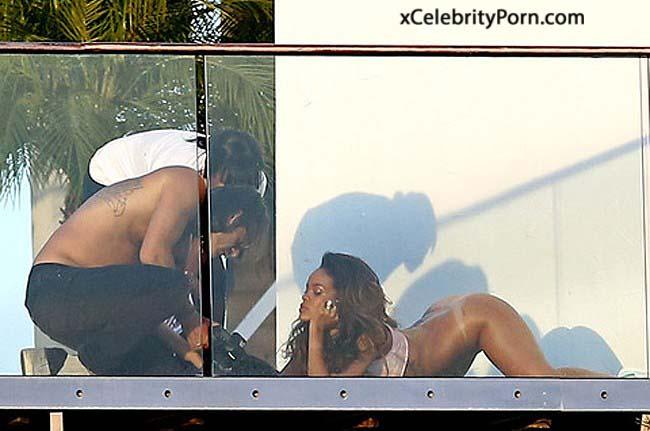 Filtran fotos intimas xxx de Cantante Rihanna -fotos Actrices xxx-Modelos follando-cantantes desnudas-famosasdesnudads-celebridades enseñando tetas (2)