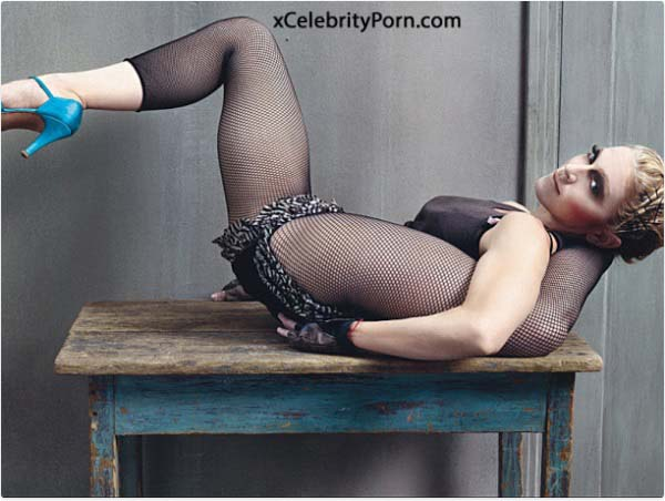 Madonna hace toples-famosas desnudas-modelos follondo-celebridades xxx-Actrices teniendo sexo (9)